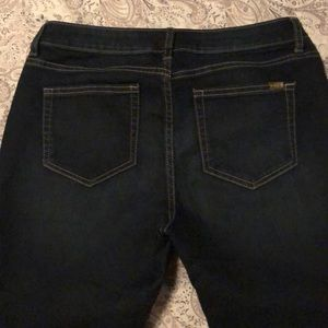 Jennifer Lopez Jeans - Jennifer Lopez Dark Denim Capris SZ 8